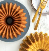 Brilliance Bundt Pan